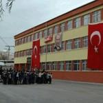 Milli Eğitim Andımız ve İstiklal Marşını Kaldırdı