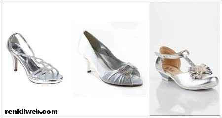 Lacivert abiyenin altına ne renk ayakkabı giyilir?