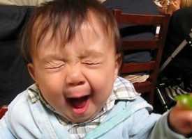 İlk Defa Limon Yiyen Bebeklerin Komik Halleri (Video)