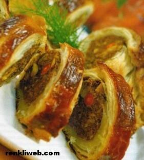 Milföylü Köfteli Börek