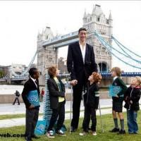 Dünyanın en uzun adamı kimdir, adı nedir?